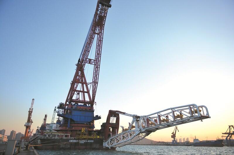 2004年,北船重工从青岛老市区整体搬迁到青岛海西湾,规划设计年造船