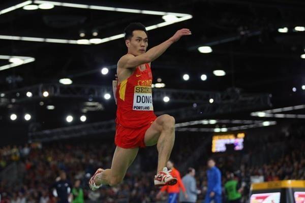 男子三级跳_奥运男子三级跳远 董斌摘得一铜