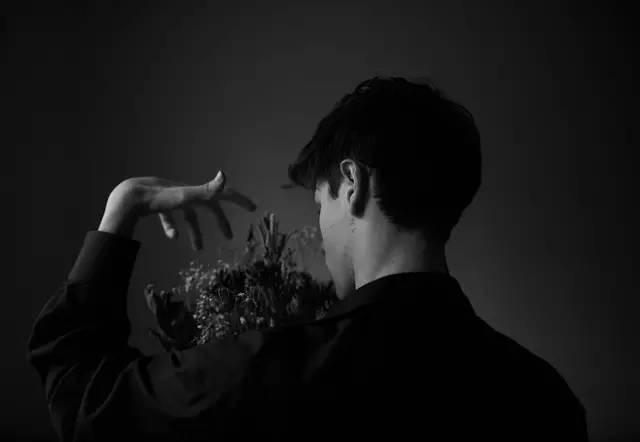 林语堂:大家都想做另一个人,只要不是现在的自