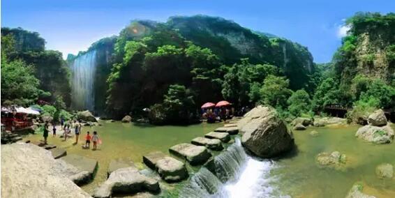 三峡大瀑布景区