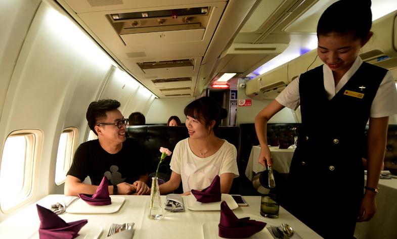 一家飞机餐厅在武汉正式营业