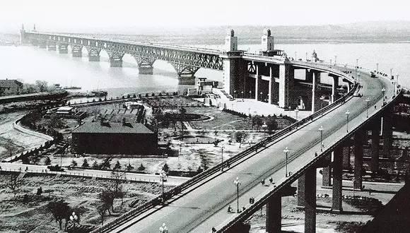 虽然10月28日22点南京长江大桥封闭维修