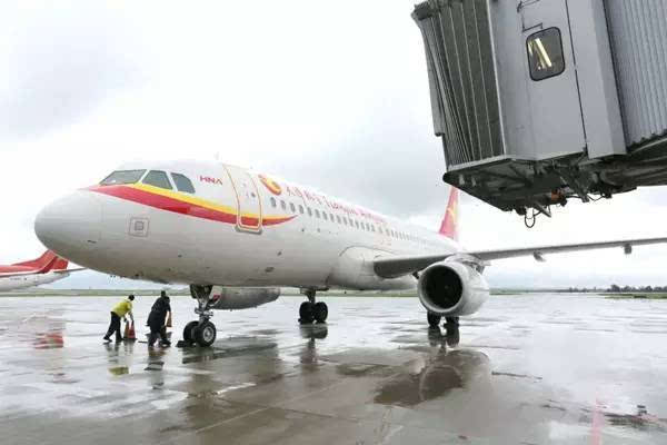 """中国新增一座国际航空口岸 鄂尔多斯航空口岸宣布""""开张"""""""