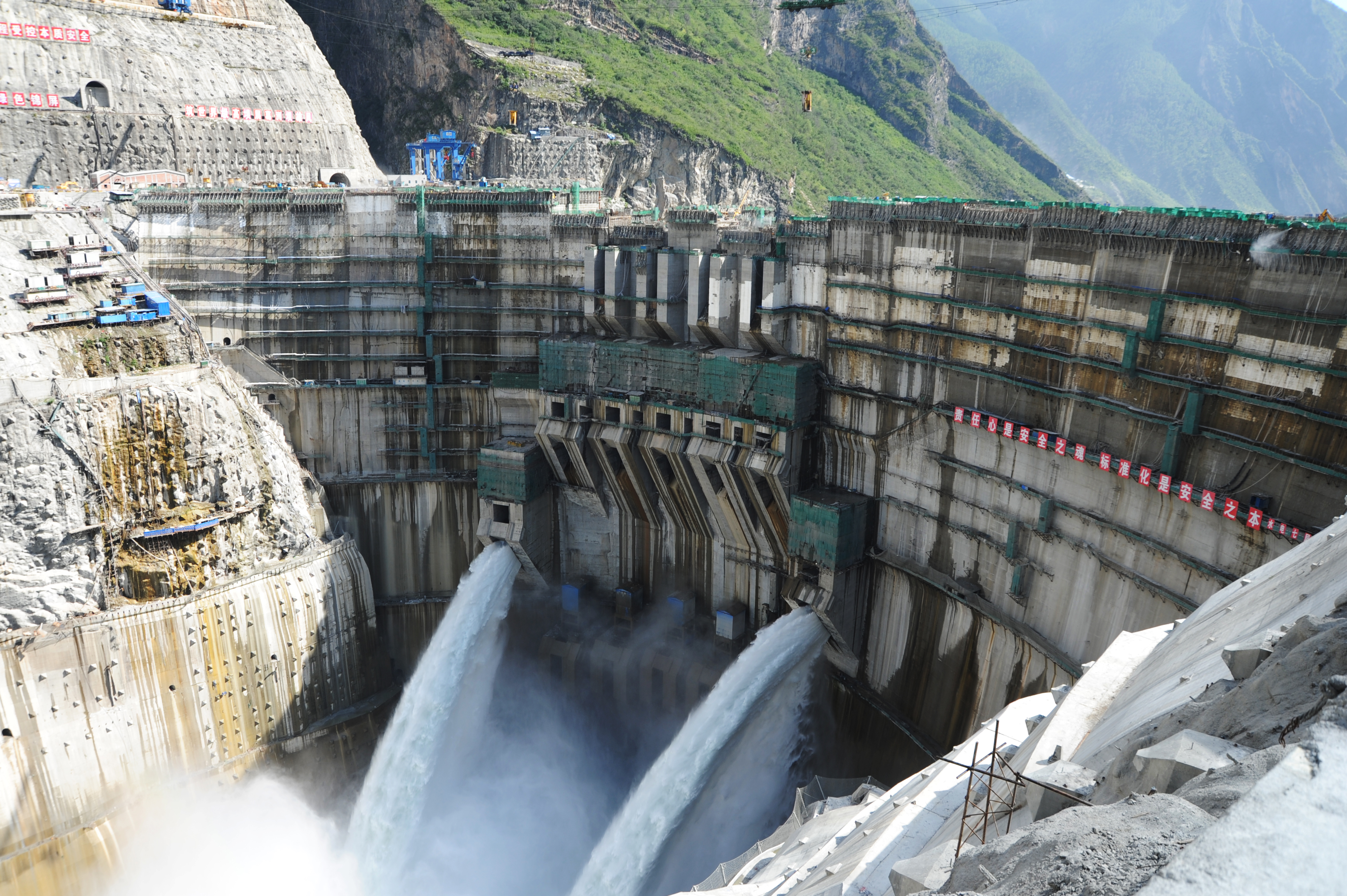 305米!最高的大坝葛洲坝承建