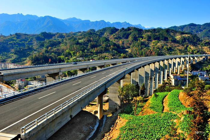 今年湖北省高速总里程预计突破7500公里
