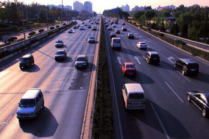 直播 全省高速路网累计通行车辆847.84万辆