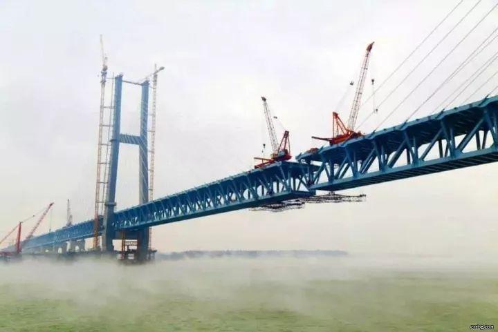 荆岳铁路长江大桥_创纪录!长江湖北段12座大桥同时在建,你家乡有吗?_长江云