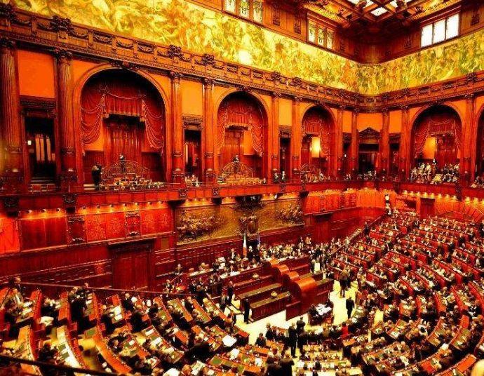 意大利议会选举将于明年3月举行