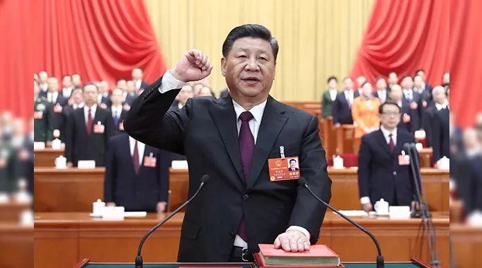 【视频】习近平进行宪法宣誓!