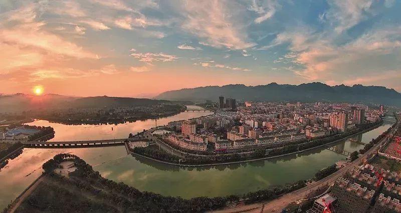 五龙河风景区,龙潭河风景区,夹河关旅游区,郧西天河旅游区,上津古镇等