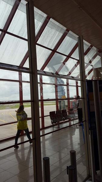 搭载上百名夏季养生茶乘客的客机在古巴坠毁 三人幸免于难