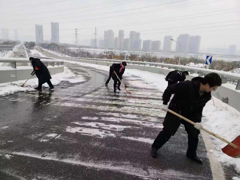 受雨雪天气影响 武汉火车站前往深圳,昆明,利川方向部分列车停运