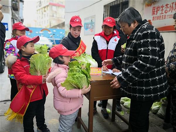 爱心暖寒冬 志愿服务让襄阳人的春节更温暖
