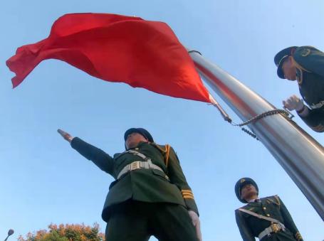 湖北省庆祝中华人民共和国成立70周年升国旗仪式隆重举行