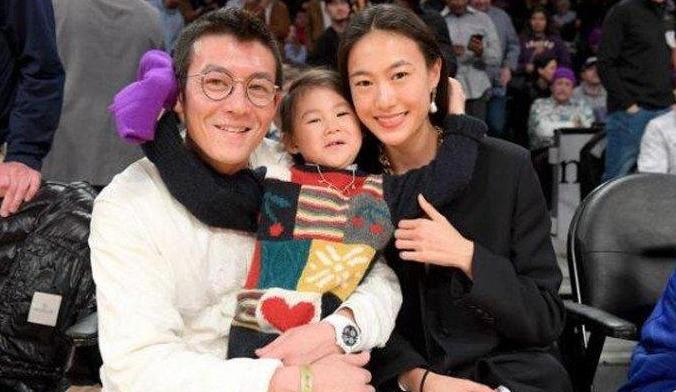 陈冠希表白爱妻 与妻子秦舒培婚恋过程