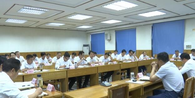县领导分别参加县委十四届八次全体(扩大)会议分组讨论