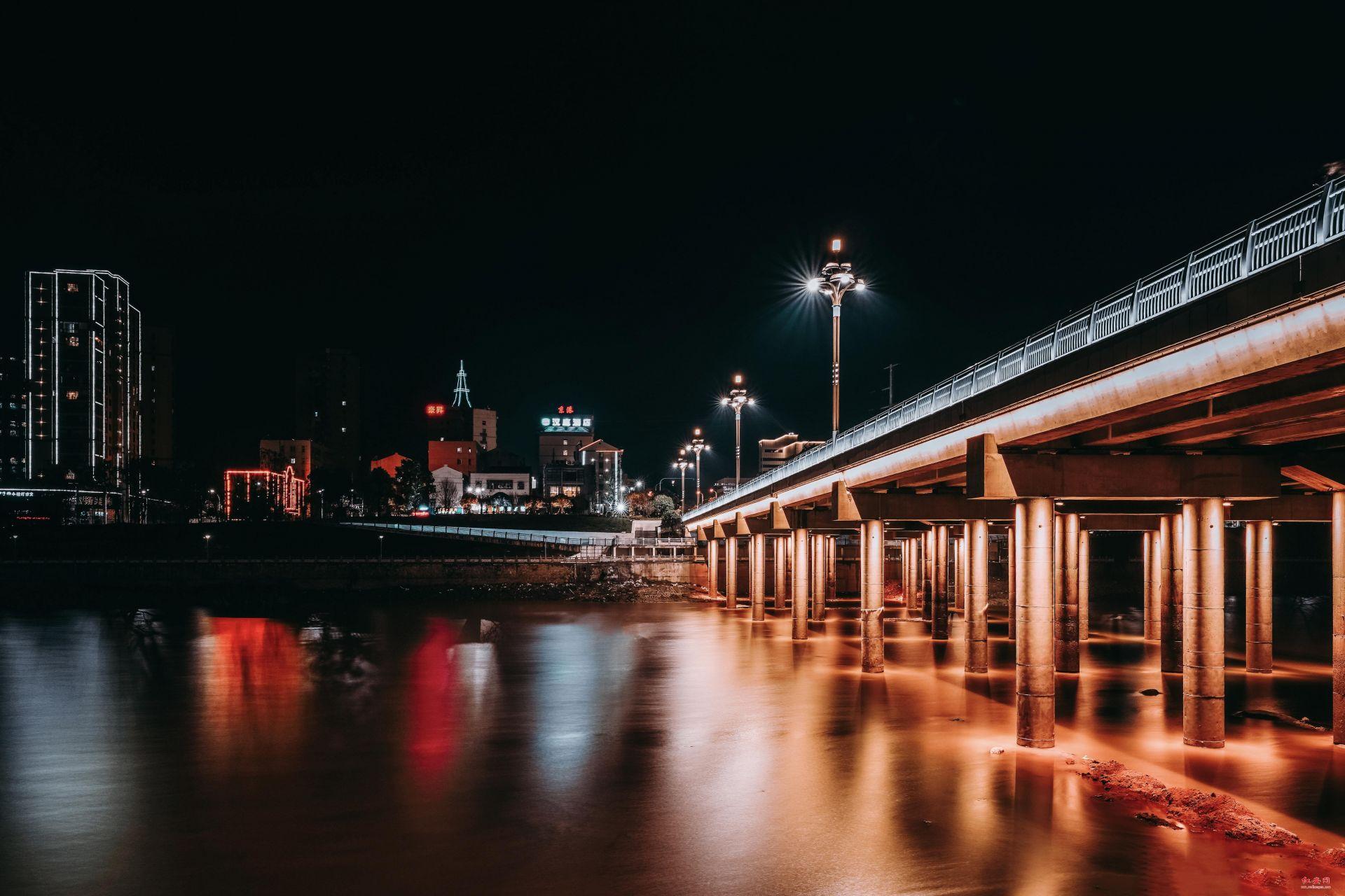 夜色中的二橋