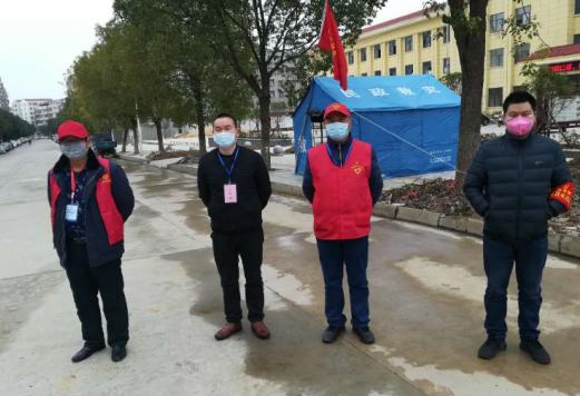 党员下沉社区 扛起抗疫旗帜