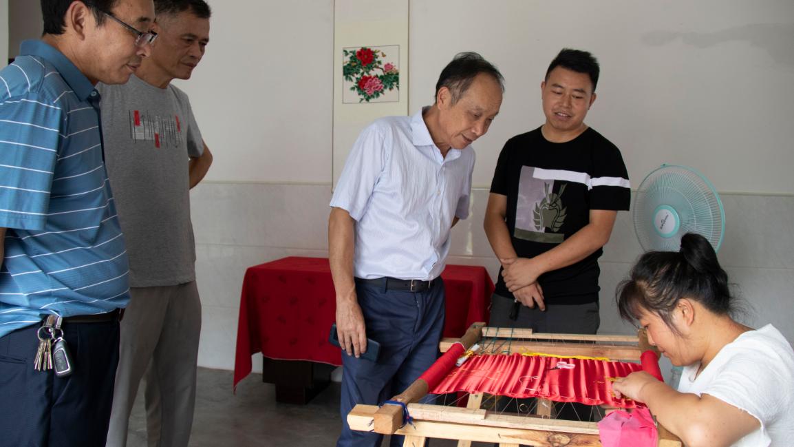 中国三峡画院来房采风拟创作百米国画长卷
