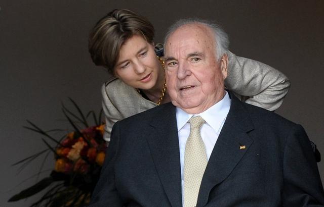 息,德国前总理赫尔穆特·科尔去世,享年87岁.-德国前总理赫尔穆