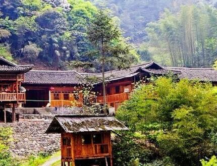 咸丰 鸡鸣坝村互比互评建设美丽乡村