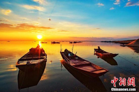 中國最大淡水湖鄱陽湖現絢麗晚霞