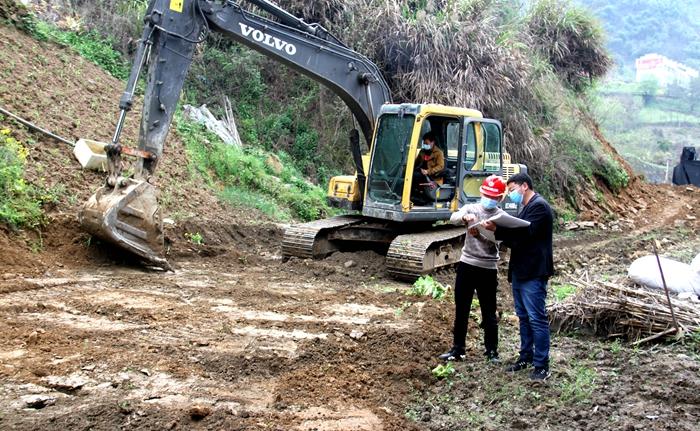 上庸镇: 环湖自行车游步道二期工程建设开工