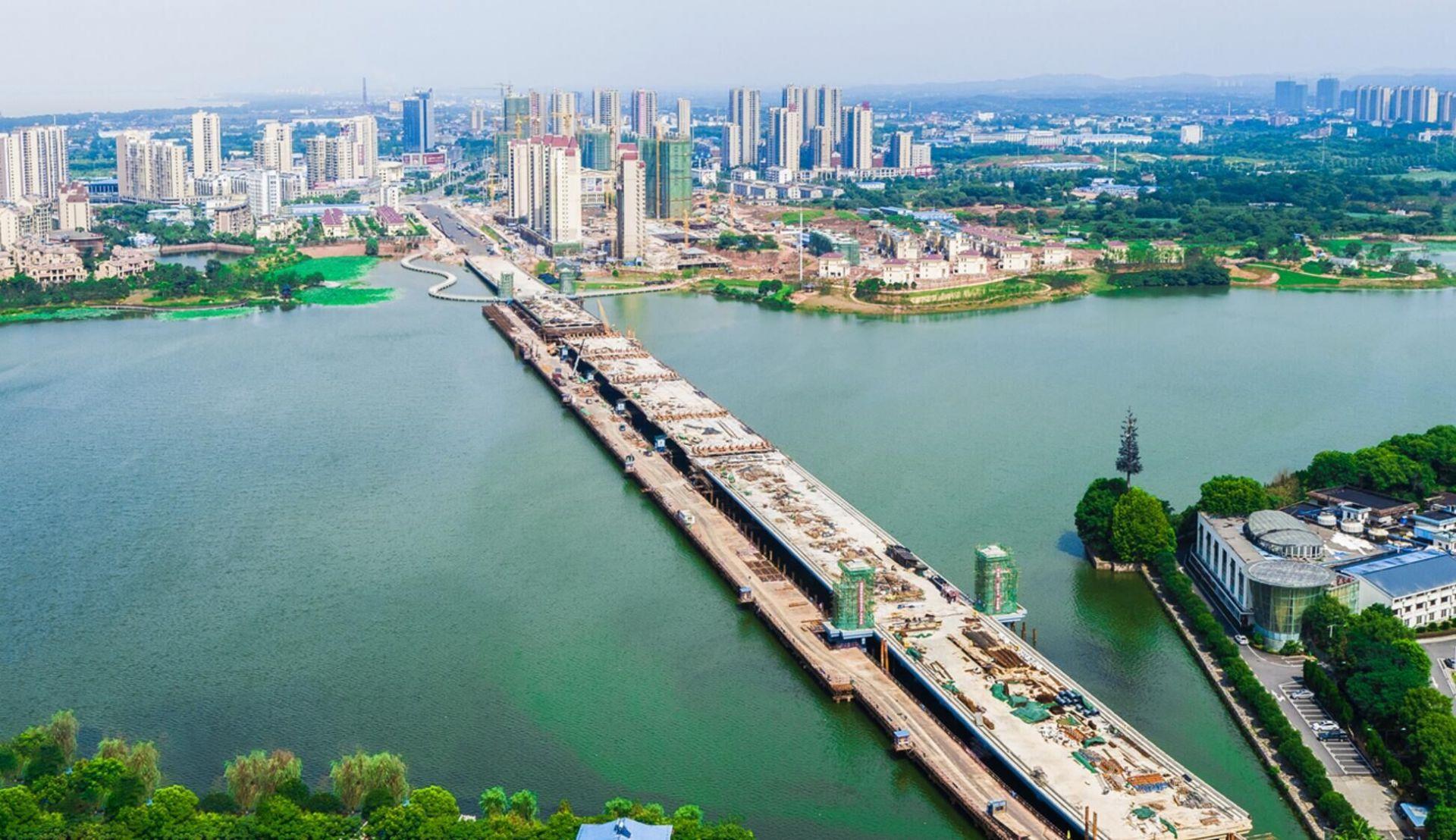 凤凰大桥施工开始收尾了