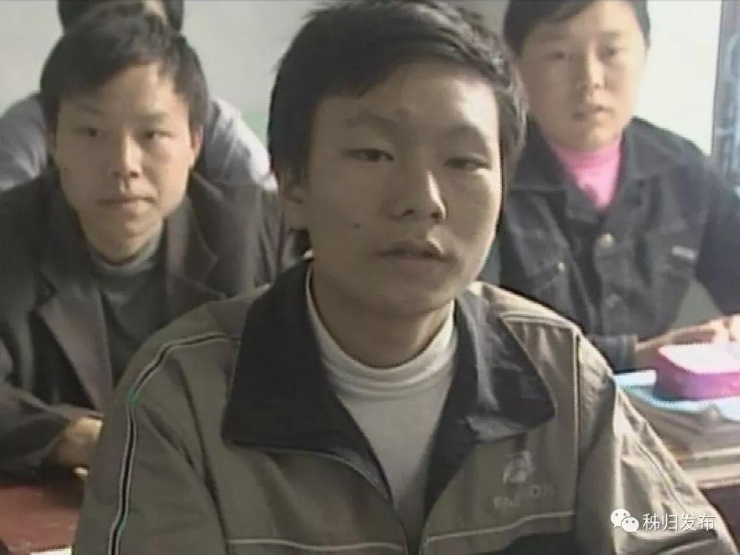 我叫宋正东,今年31岁,是梅家河乡郑家岭村人,现在是中交四航局职工