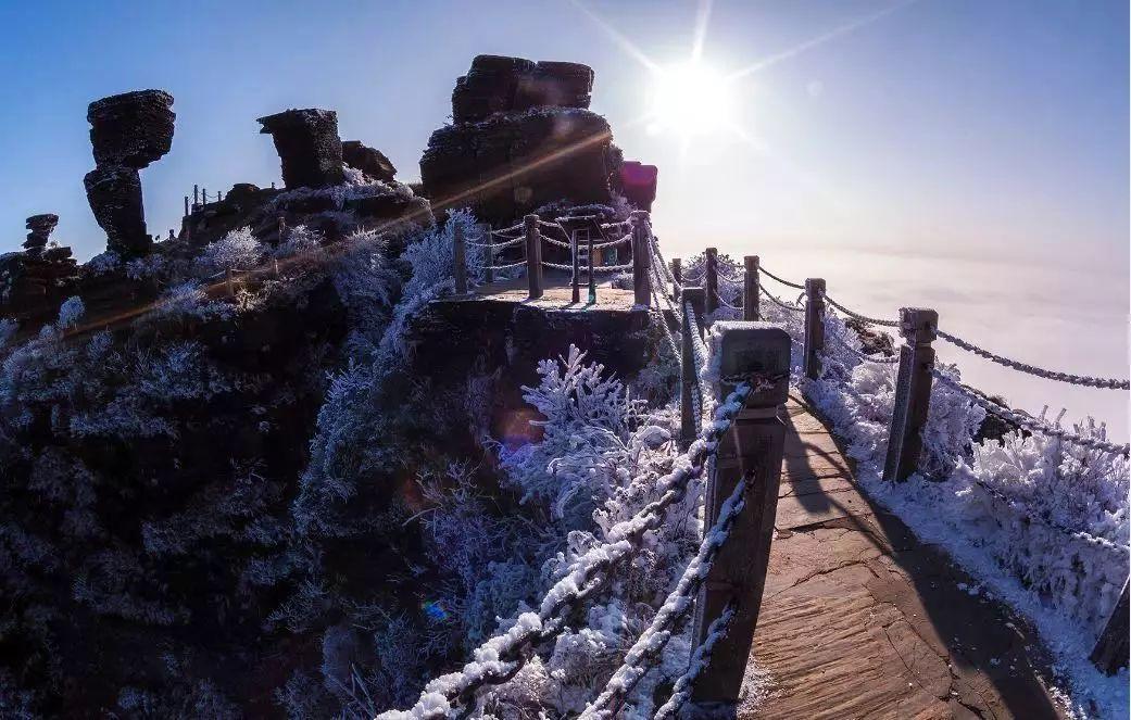 九路寨生态旅游区位于湖北省襄阳市保康县歇马镇境内,是荆山山脉四大