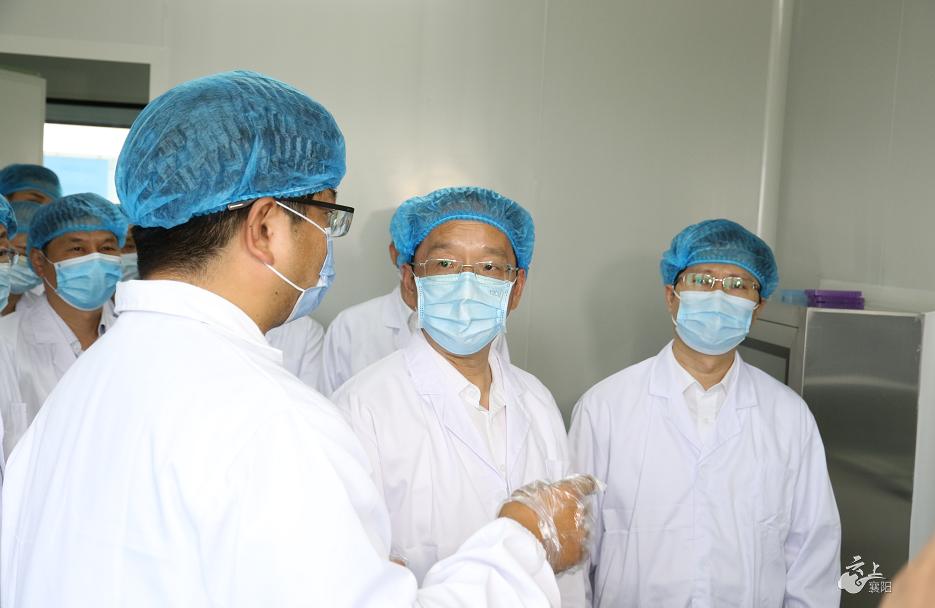 李乐成:深入推进公共卫生体系建设 切实增强人民群众健康福祉