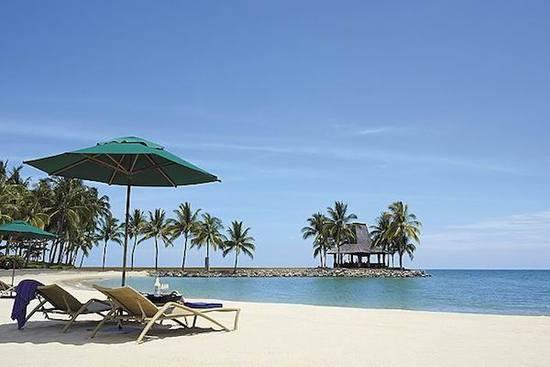 天气这么热,不妨请假两天去东南亚海边发发呆