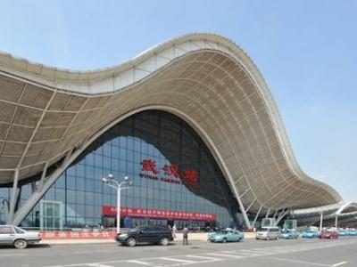 武昌武汉两大火车站 多趟临客助力