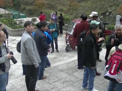 """湖北作家摄影家走进清江长阳为贫困山区文化旅游网上""""吆喝"""""""