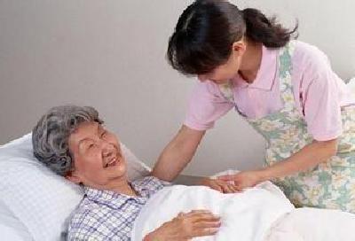 湖北年满60岁父母患病住院 独生子女或年享10天护亲假