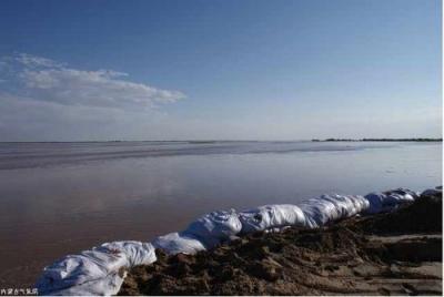 湖北641公里堤段超警戒 2.8万人上堤防守