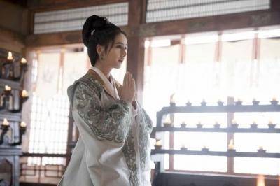 佟丽娅:黄晓明这回演了最合适的角色