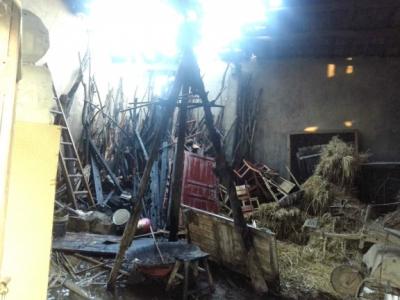荆州一村民熏腊肉酿火灾 消防提醒:熏制应注意安全