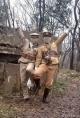 网友怒了!两男子扮日本兵在这里留影