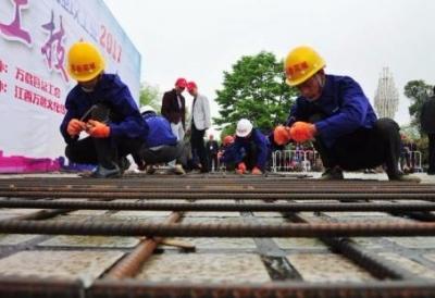 人社部:解决技能人才短缺问题难点在职业技能培训