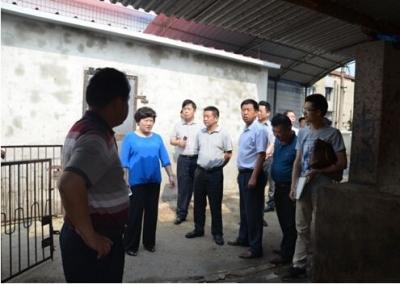 15  7月24日,湖北省第一环境保护督察组接到群众电话举报,反映武汉市