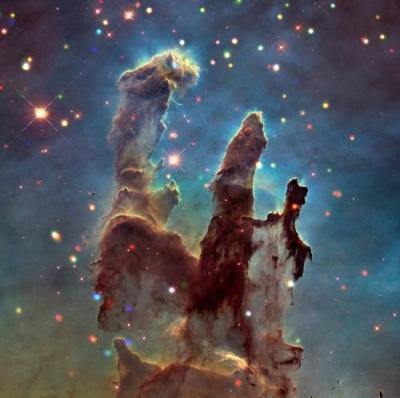 """宇宙的""""创造之柱"""":恒星孕育之地 景象壮观"""