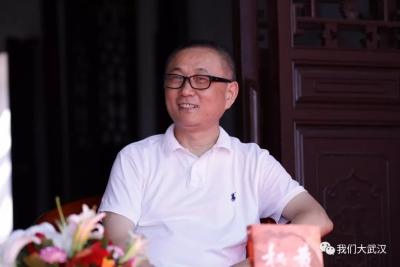 他是天真赤子,也是清醒的思想家——刘醒龙在故乡解读《黄冈秘卷》