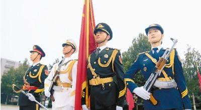 中国军人最标准的精气神 三军仪仗队是这样炼成的