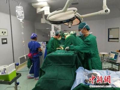 """首个""""中国医师节""""来了!国家多措并举保障医师权益"""