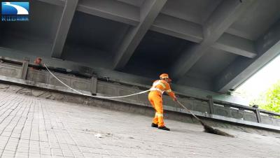 说城管城管说:大桥下的蜘蛛侠