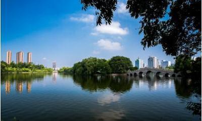 """金融扶贫""""全覆盖"""" 荆州区为贫困户贷款2983万元"""