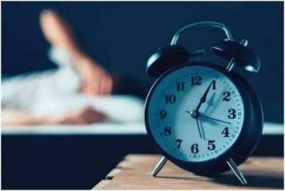 """48小时不睡可得两千元,医院为何""""花重金招募熬夜者""""?"""