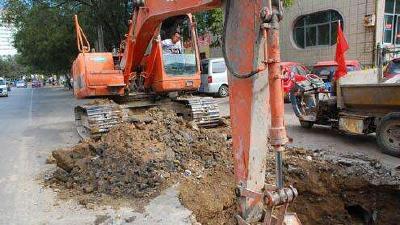 本周六起武汉新增4处占道施工,相关道路禁止通行