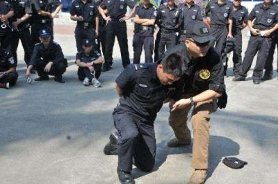 15名斐济高级执法官员在汉完成警务培训